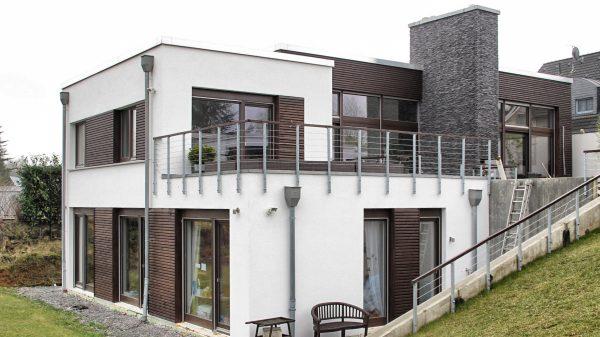 Neubau eines Einfamilienhauses für zwei Erwachsene und drei Kinder, muellerarchitekt. Solingen