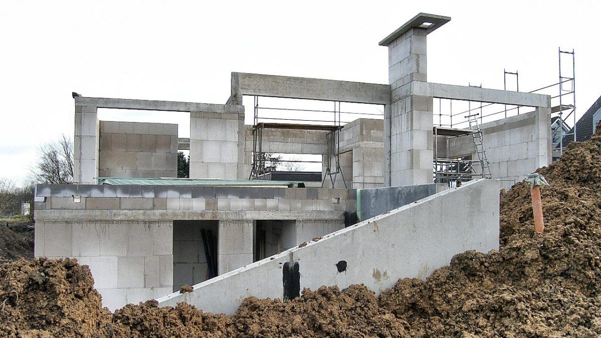 Terassenansicht ; Neubau Einfamilienhaus durch muellerarchitekt Solingen